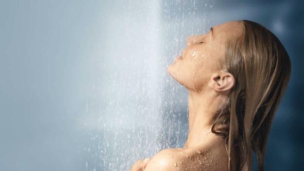 """Nổi mày đay không cần phải """"kiêng tắm"""""""