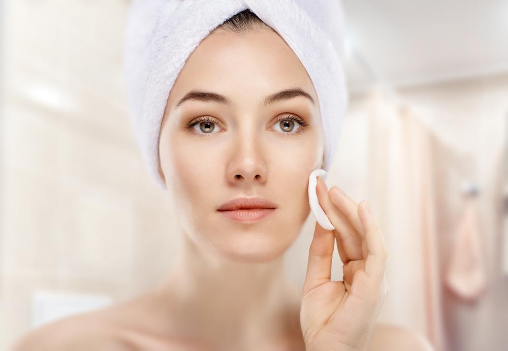 Độ tuổi ảnh hưởng đến làn da và chăm sóc da theo từng giai đoạn • Khoa Da  Liễu Thẩm Mỹ Da - Bệnh viện Đại Học Y Dược TPHCM